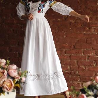 Белое вышитое платье бохо, вышиванка