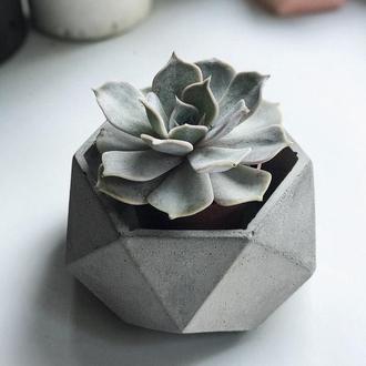 Кашпо из бетона, бетонный горшок