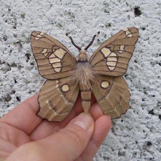Брошь из замши Бабочка в стиле бохо