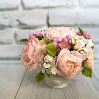 Композиция с английскими розами из холодного фарфора