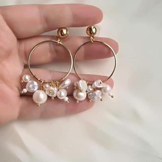 Позолоченные серьги кольца с жемчугом