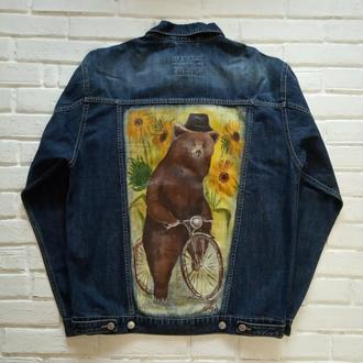 Стильная джинсовая куртка с медведем