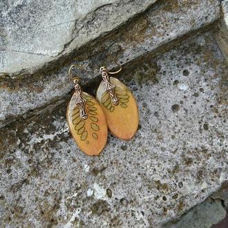 Желтые серьги Скумпия
