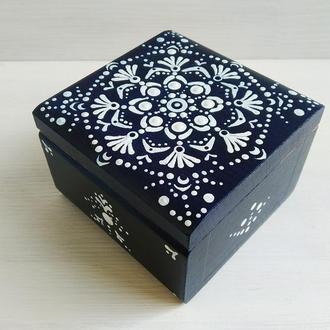 Квадратна скринька для прикрас Крапковий розпис