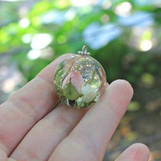 Кулон шар розой и гипсофилой