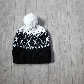 Knitted hat - В'язана шапка