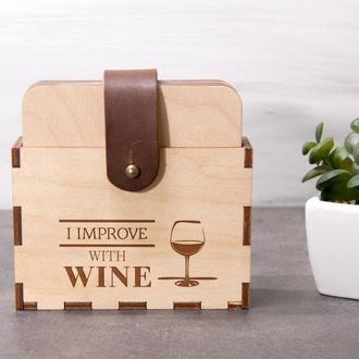 Набор деревянных подставок под горячее для дома «I improve with wine»