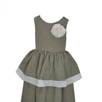 """Детское классическое платье в стиле бохо с брошкой ручной работы """"Эделина""""."""