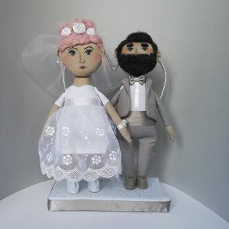 Свадебные куклы, пара молодожён