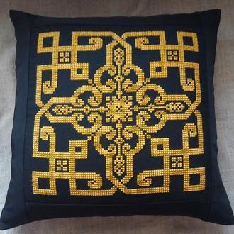 Декоративная наволочка.вышивка болгарским крестом.