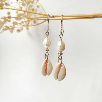 Срібні сережки з перлинами та ракушками / Серьги серебряные с жемчугом и ракушками Каури