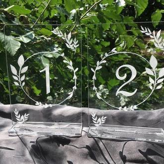 Акриловые номерки с подставкой на столы с гравировкой 13х9 см (№6)