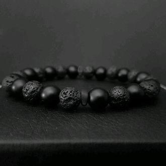 Стильный мужской браслет из оникса и лавы