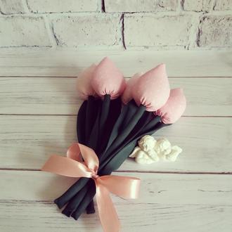Текстильні тюльпани.  Елемент декору.