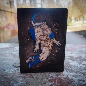 Обложка на паспорт с космонавтом, обложка ручной работы из кожи, купить кожаную обложку для паспорта