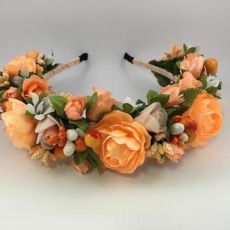 Венок на голову с розочками абрикосового цвета