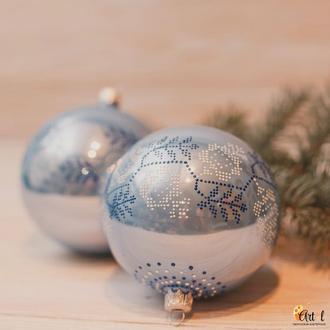 Набор стеклянных новогодних шаров (точечная роспись)