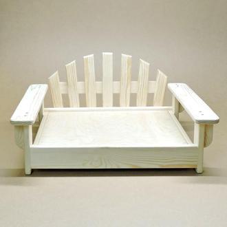 Лежак деревянный для собаки Бламонт 45х55