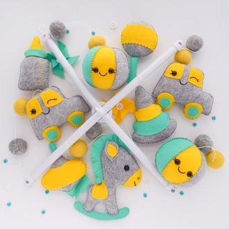 Мобиль для мальчика Фетровый мобиль Фетровые игрушки Игрушки из фетра Гирлянда на коляску Мобиль