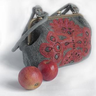 "Валяна сумочка ""Витинанка"""