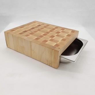Центр для нарезки, столик из торцевих спилов древесины с гастроемкостью.