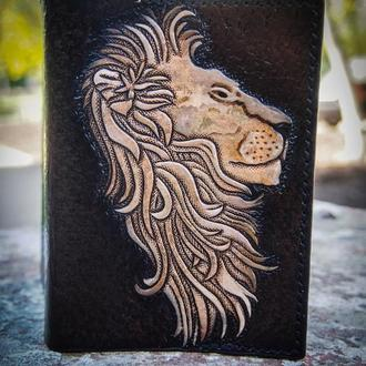 Обложка на паспорт со львом, лев на обложке, рисунок льва на обложке, купить обложку на паспорт