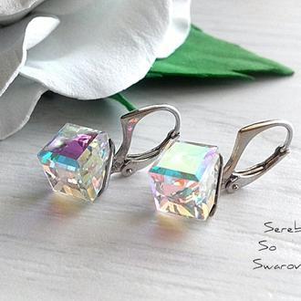 Серебряные серьги с кубиками Сваровски