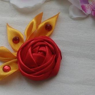 Брошь огненная роза