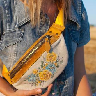 Желтая кожаная сумка поясная бананка с росписью цветами