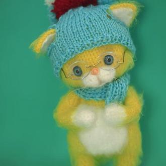 Желтый котик в очках