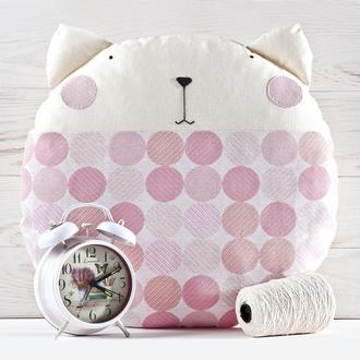 Розовая круглая подушка кот, Декор в детскую для девочки