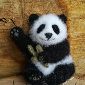 Войлочная брошь Панда брошка валяная модная из шерсти