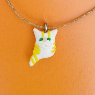 Кулон белый полосатый кот