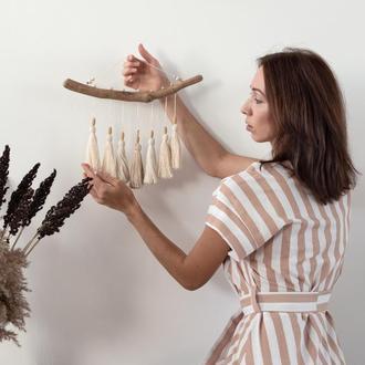 Панно с кисточками, настенное панно, декор на стену