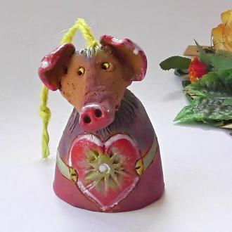 Колокольчик Свинья декоративная  керамическая подвеска