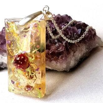 Кулон с сушеными цветами, кулон с натуральными камнями, кулон-подвеска, талисман любви