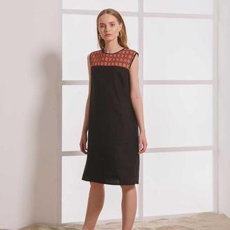 Чёрное платье из льна с чёрно-красной вышивкой