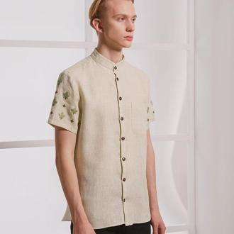 Рубашка с ручной вышивкой на рукавах