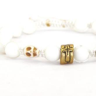 """Мужской браслет из натуральных камней, Шамбала с черепами и крестом """"Сахарные кости"""""""