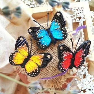 брошь бабочка, вышивка гладью