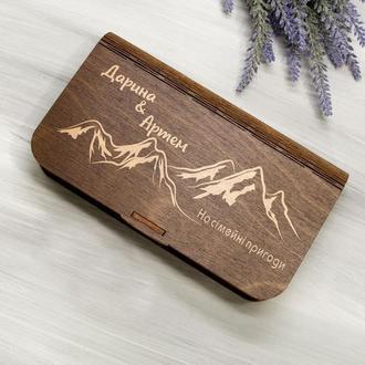 Именная деревянная коробка-конверт для денег в подарок на свадьбу с лазерной гравировкой