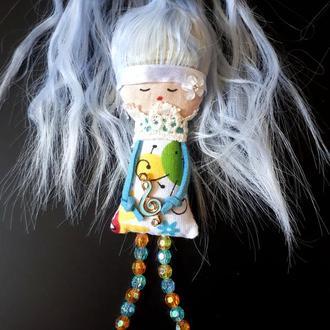 "Текстильная куколка-брошка ""Музыкальная барышня"""