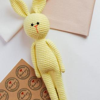 Вязаный нежно-желтый зайчик. Мягкая игрушка для сна и игры. Подарок новорожденному. Эко-игрушка.