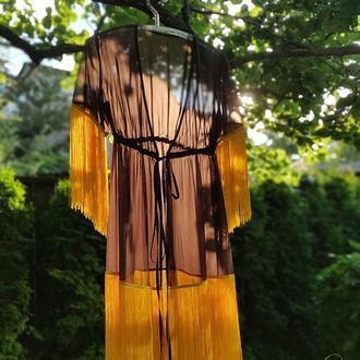 Туніка приємного шоколадного відтінку з бахромою жовтого кольору