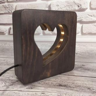 Деревянный светильник-ночник с плавной регулировкой яркости