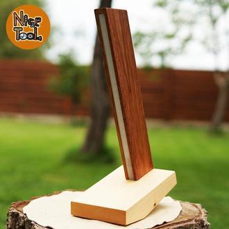 Настольная лампа (ночник) изготовлена из дерева мербао и клен