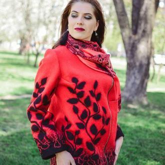 Куртка войлочная красная с принтом