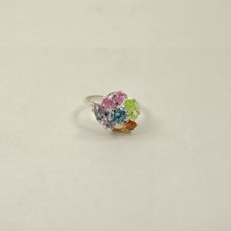 Кольцо с цветными фианитами