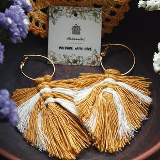 Сережки виготовлені в техніці макраме