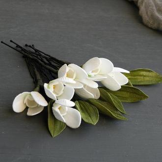 Белые шпильки для волос с цветами подснежниками